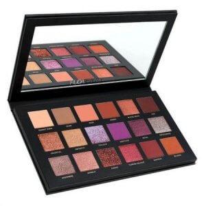 3.Huda Beauty Desert Dusk Eyeshadow Palette