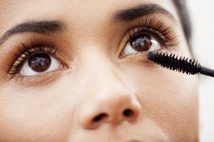 What type of eyelashes do you possess?