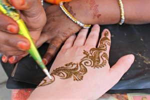 Rajasthani Henna Powder for Easy Application and Brownish-Red Stain