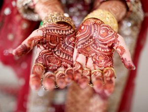 Go for Maroon or Dark Red Mehndi if You Want to Avoid Chemicals